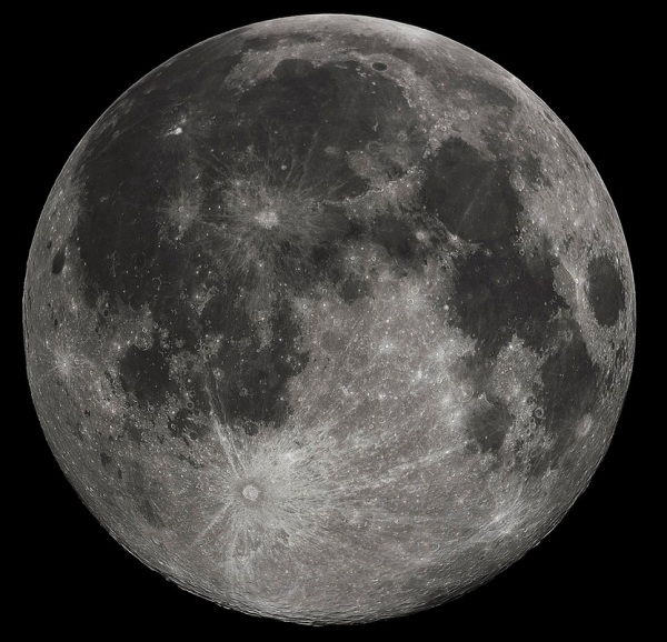 Wikipedia (https://en.wikipedia.org/wiki/Moon)
