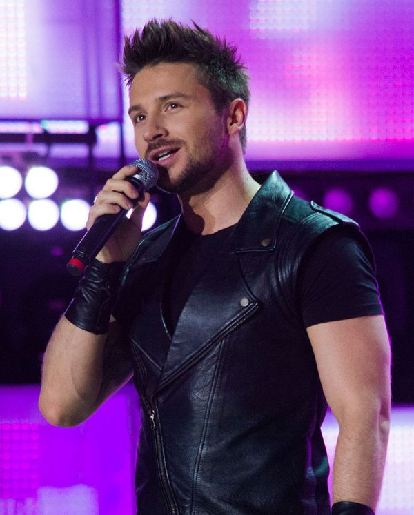 Wikipedia (https://en.wikipedia.org/wiki/Sergey_Lazarev#In_Smash!!)